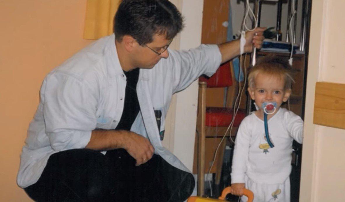 Menino viveu com doença grave por 11 anos, até ser curado após oração